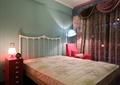 卧室床,床头柜,吊灯,椅子